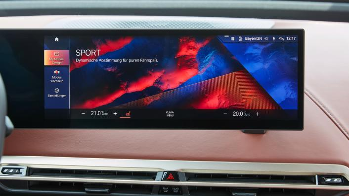 2021 BMW iX xDrive50 Sport Interior 010