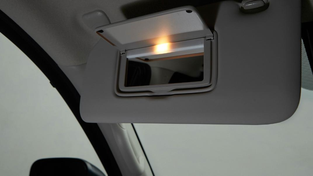 2021 Nissan Navara PRO-4X Interior 090
