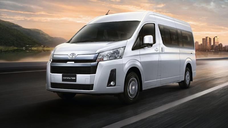 Toyota Commuter 2019 VS Nissan NV350 Urvan 2019 02