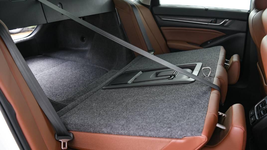 2021 Honda Accord 2.0L e:HEV EL+ Interior 053