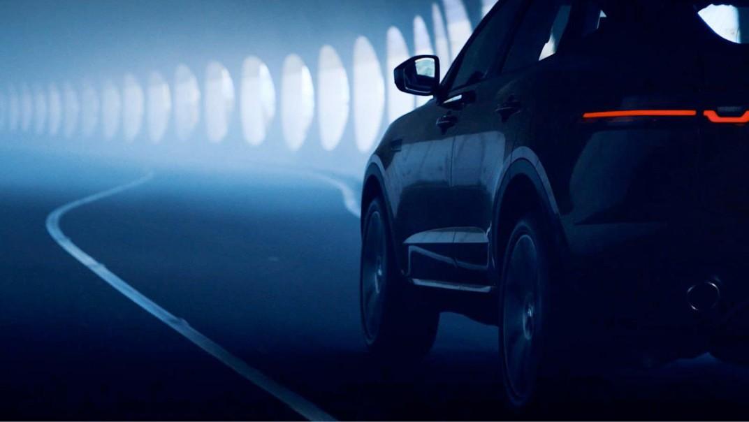Jaguar E-Pace Public 2020 Exterior 005