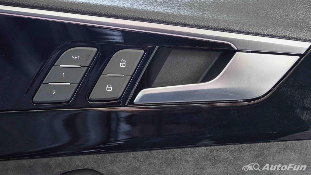 2020 Audi A4 Avant 2.0 45 TFSI Quattro S Line Black Edition Interior 059