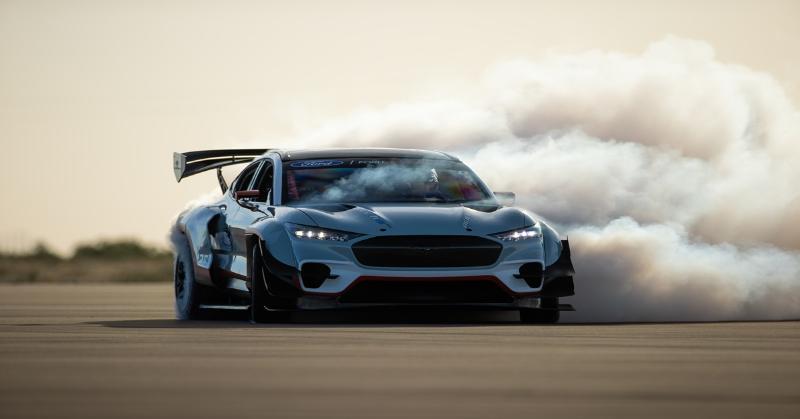 Ford Mustang Mach-E 1400 Prototype รถยนต์ไฟฟ้าที่จะทำให้การแข่งและการดริฟท์ สนุกยิ่งขึ้น 02