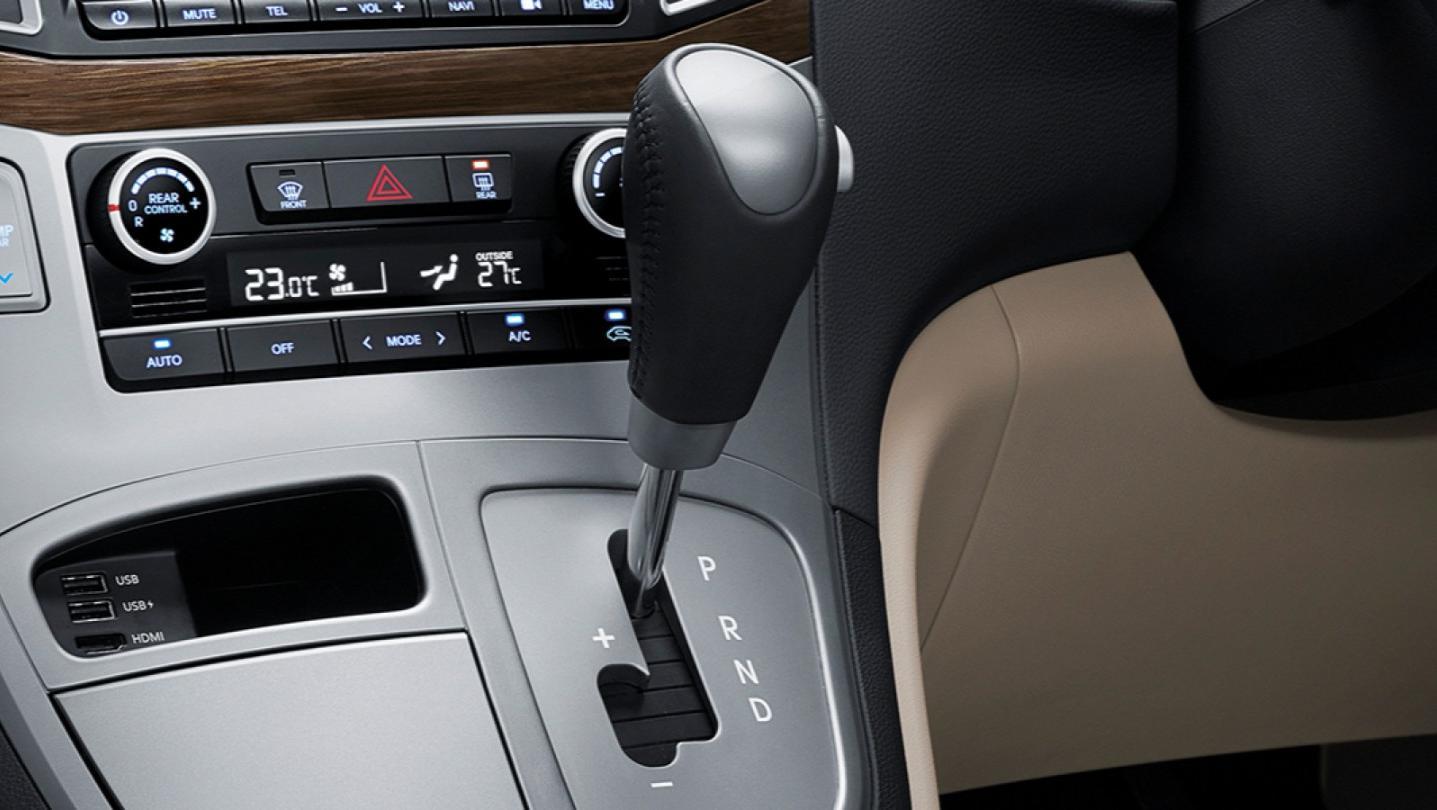 Hyundai H-1 Public 2020 Interior 004