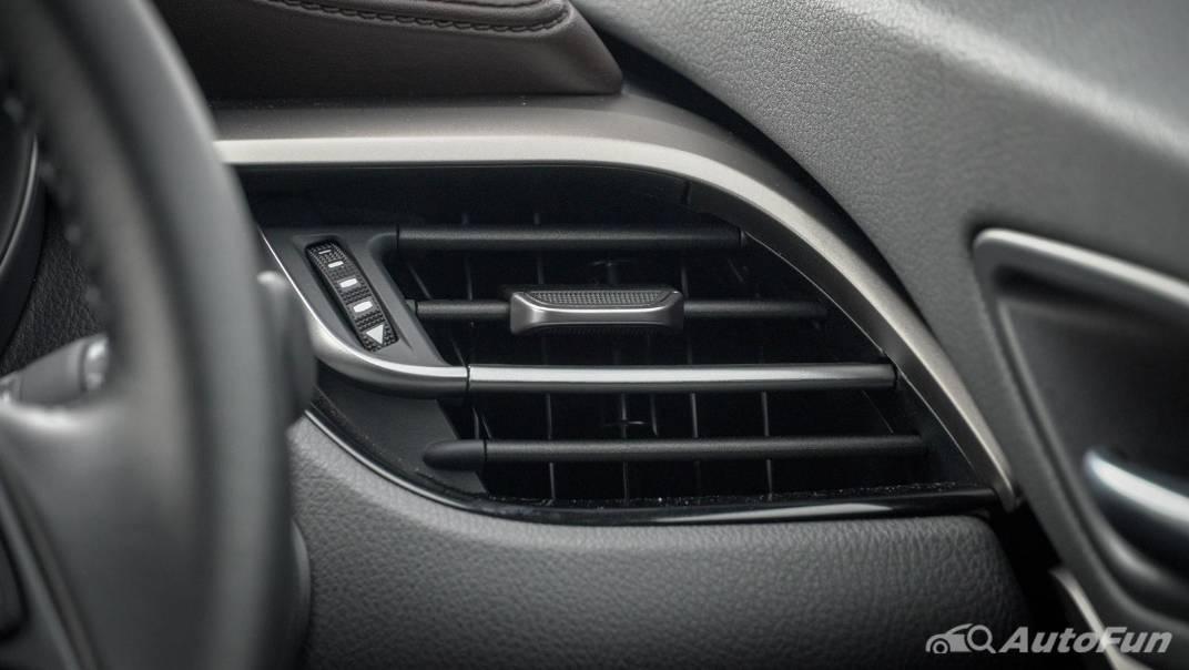 2021 Toyota C-HR Hybrid Premium Safety Interior 021