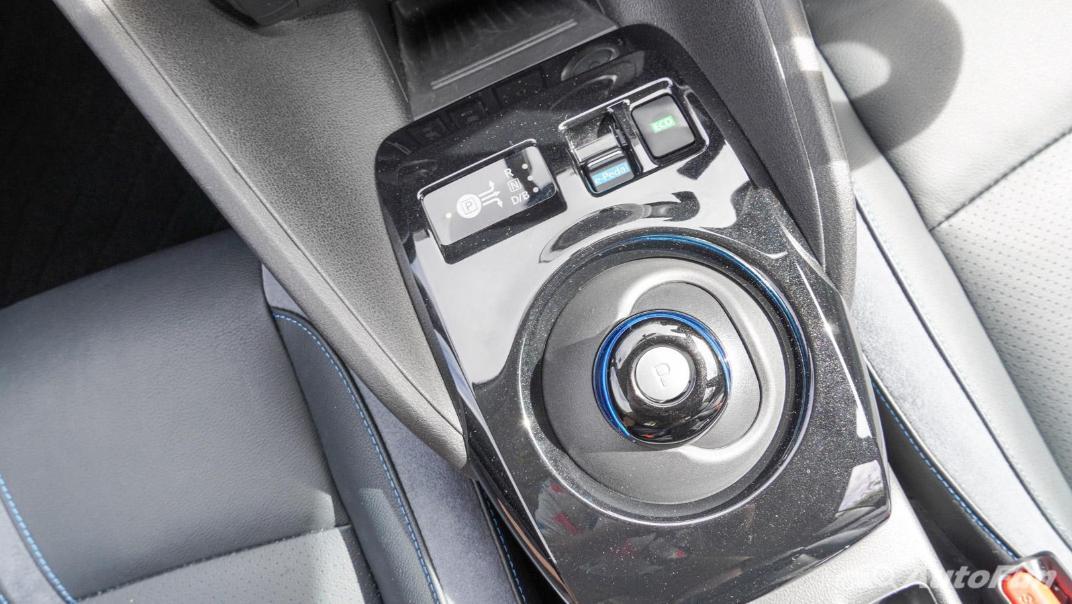 2020 Nissan Leaf Electric Interior 032