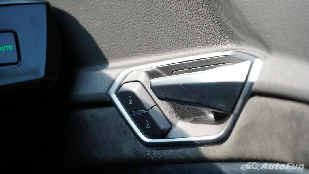 2020 Audi E Tron Sportback 55 quattro S line Interior 059