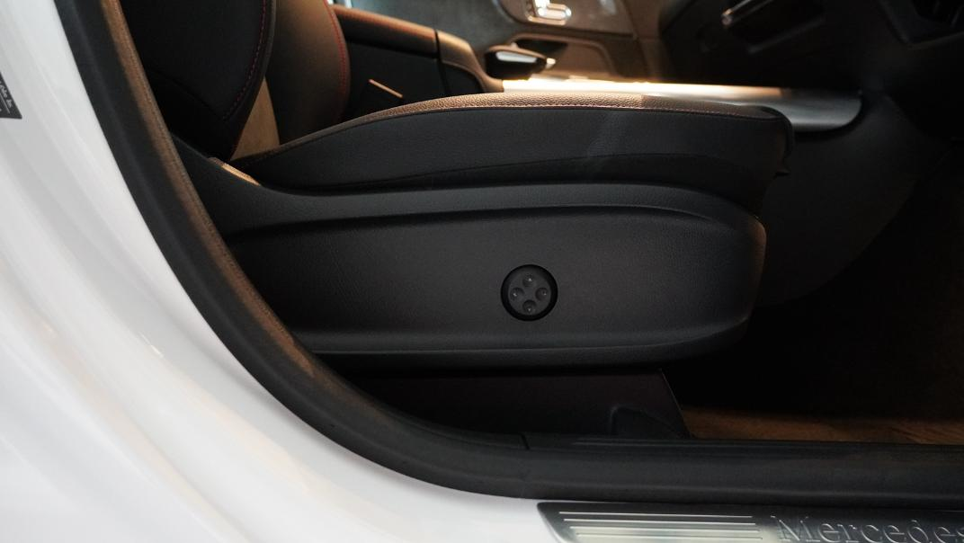 2021 Mercedes-Benz GLA-Class 200 AMG Dynamic Interior 024