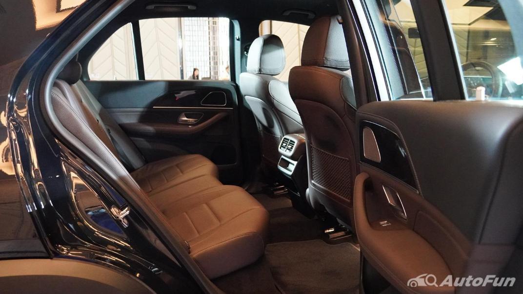 2021 Mercedes-Benz GLE-Class 350 de 4MATIC Exclusive Interior 053