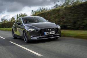 Mazda อัพพลังเครื่อง SkyActiv G ให้ Mazda 3 และ CX-30 ประหยัดขึ้น แรงกว่าเดิม แต่ในอังกฤษนะ