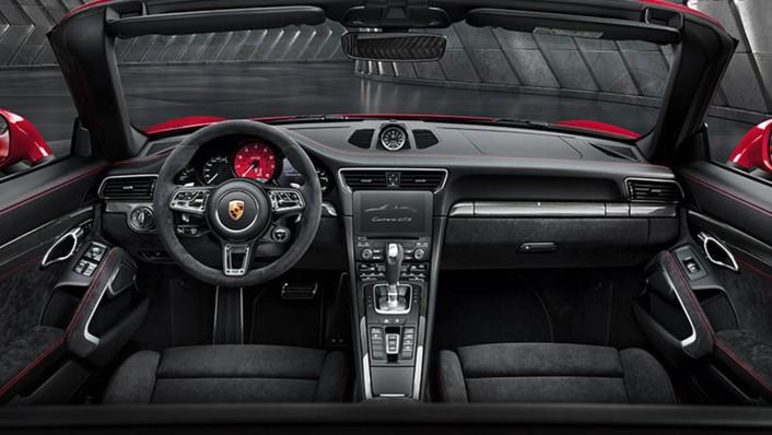 Porsche 911 2020 Interior 001