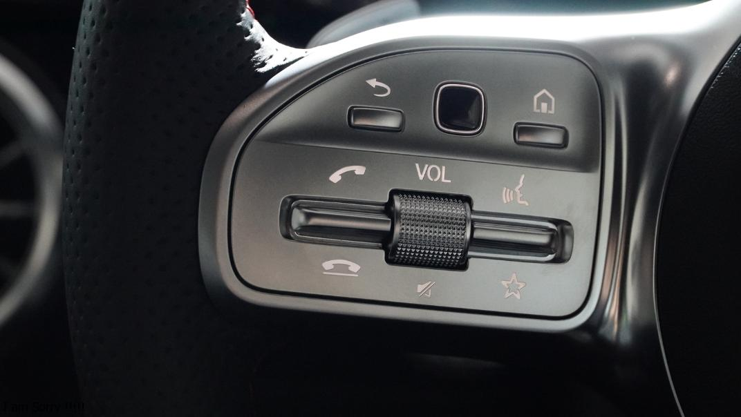 2021 Mercedes-Benz GLA-Class 200 AMG Dynamic Interior 006