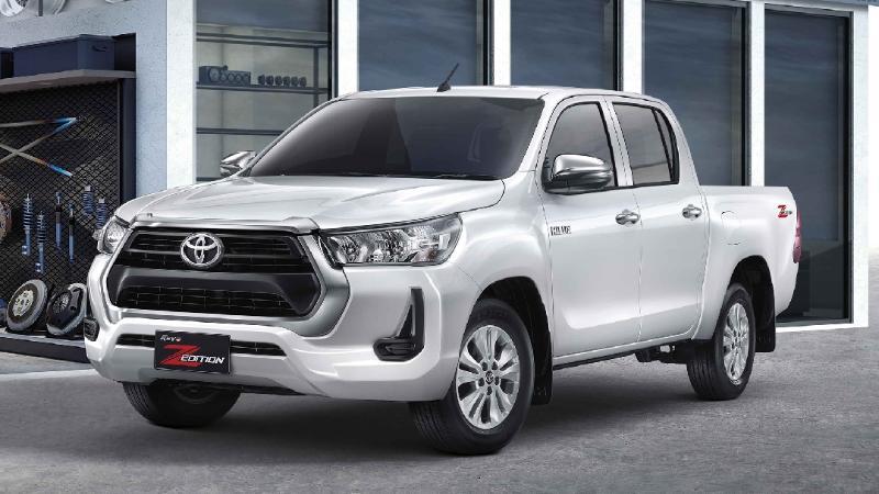 Toyota Hilux Revo GR Sport แต่งซิ่งทางเรียบ เรนเดอร์หน้ารถจาก GR Yaris ราคาหลายล้าน 02