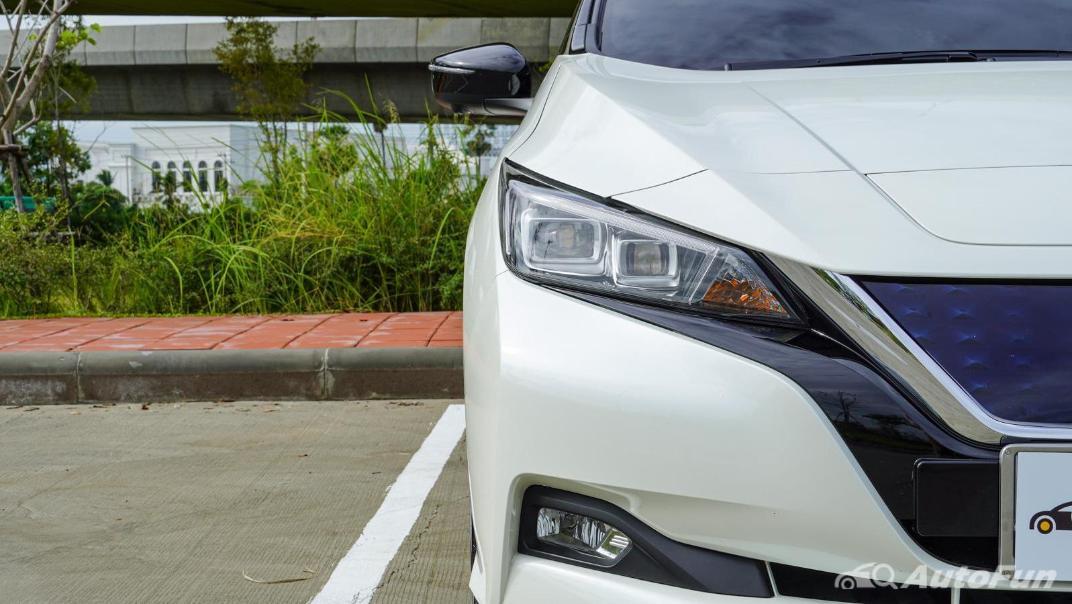 2020 Nissan Leaf Electric Exterior 011