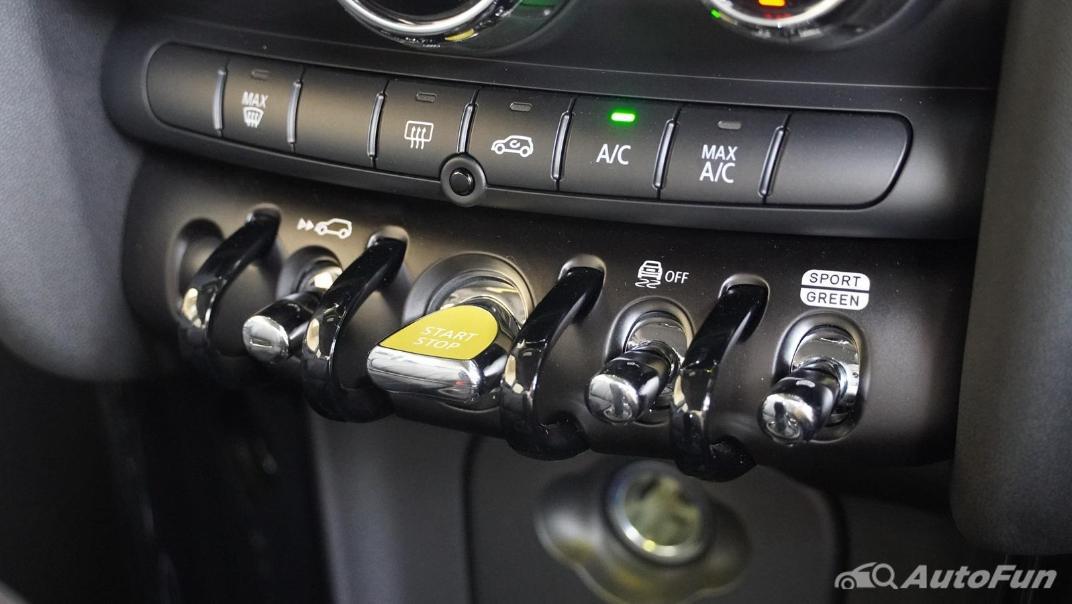 2021 MNI 3-Door Hatch Cooper S Interior 021