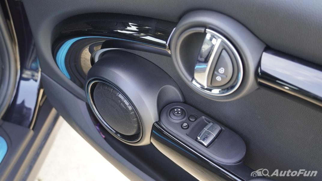 2021 MNI 3-Door Hatch Cooper S Interior 055
