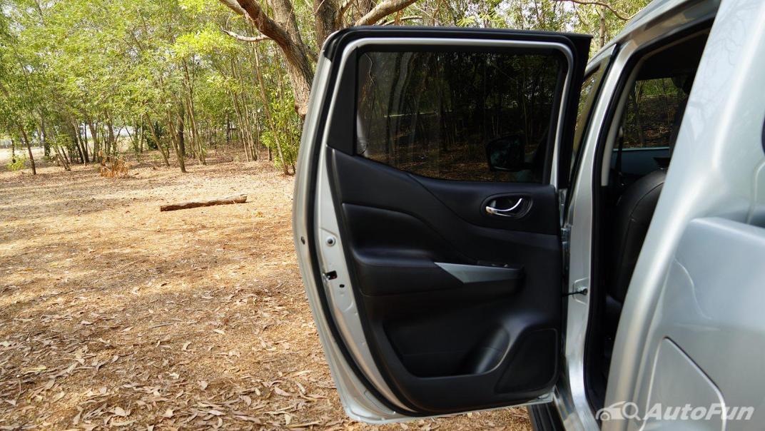 2021 Nissan Navara Double Cab 2.3 4WD VL 7AT Interior 049
