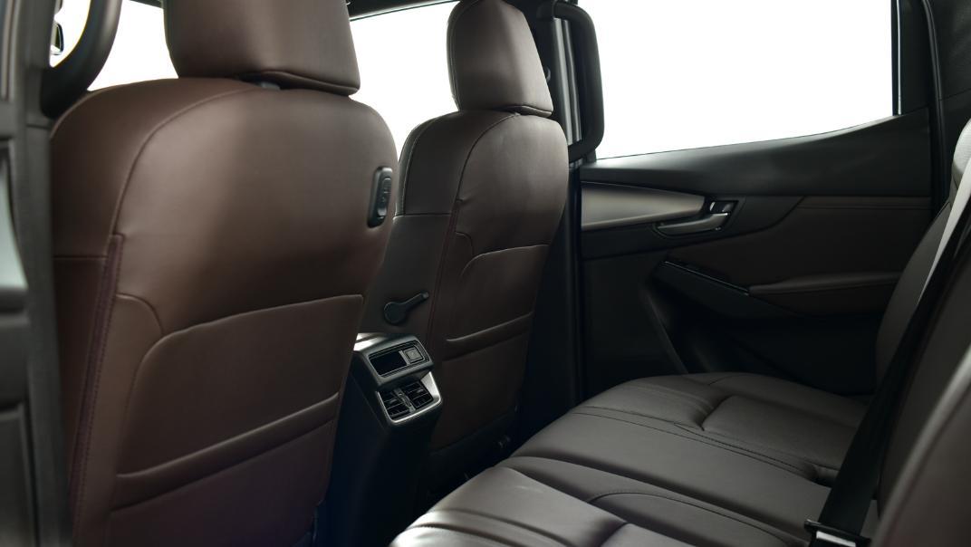 2021 Mazda BT-50 Double cab Upcoming Version Interior 011