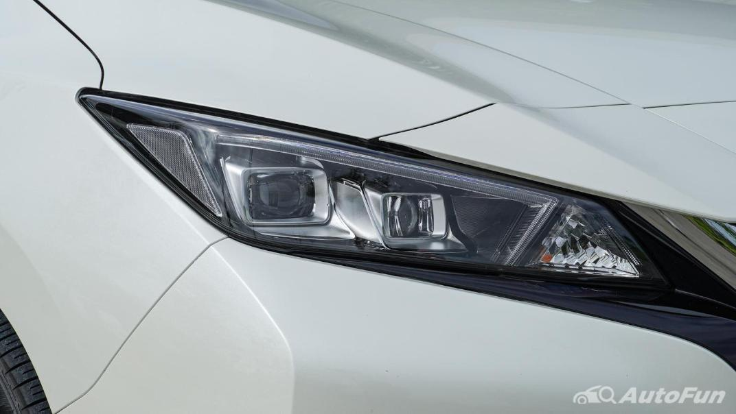 2020 Nissan Leaf Electric Exterior 013