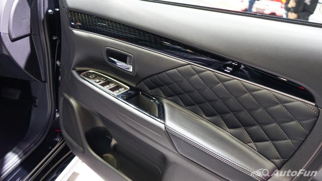 2021 Mitsubishi Outlander PHEV GT Interior 014