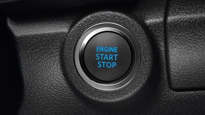 Toyota Hilux Revo Double Cab 2020 Interior 004