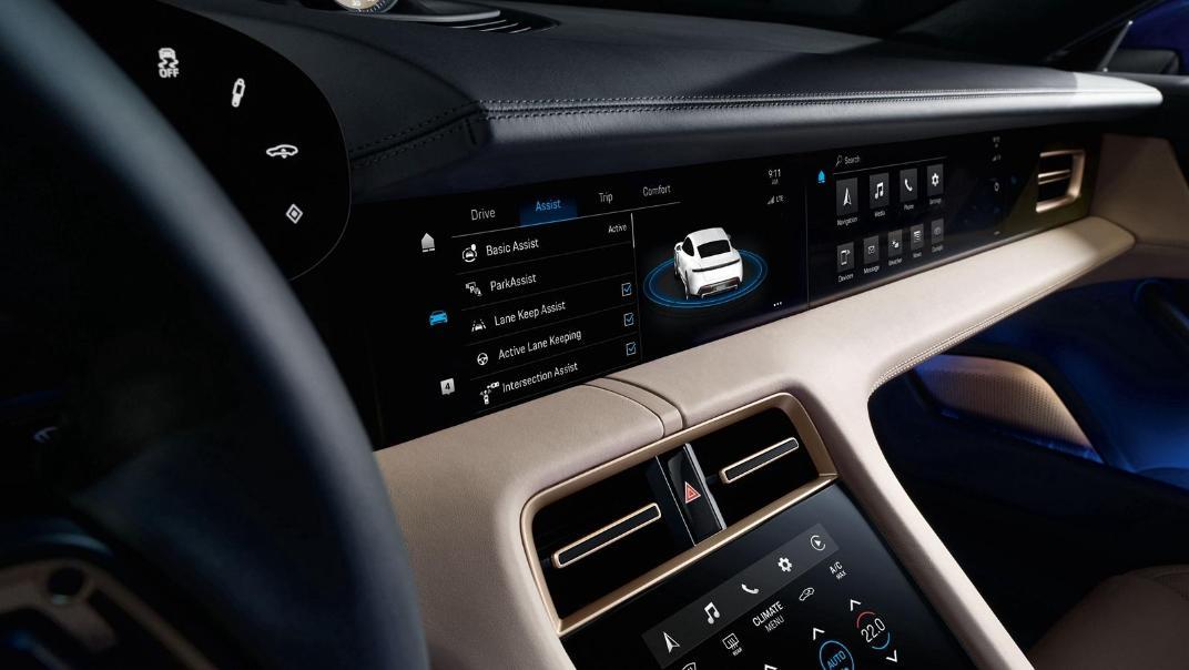 2020 Porsche Taycan Interior 005