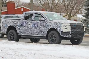 สปายช็อตแรก 2022 Ford Ranger Raptor คงความน่าเกรงขามจนกระบะคู่แข่งต้องหลีกทาง