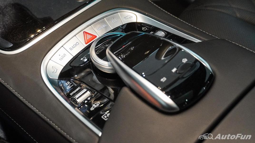 Mercedes-Benz S-Class S 560 e AMG Premium Interior 031