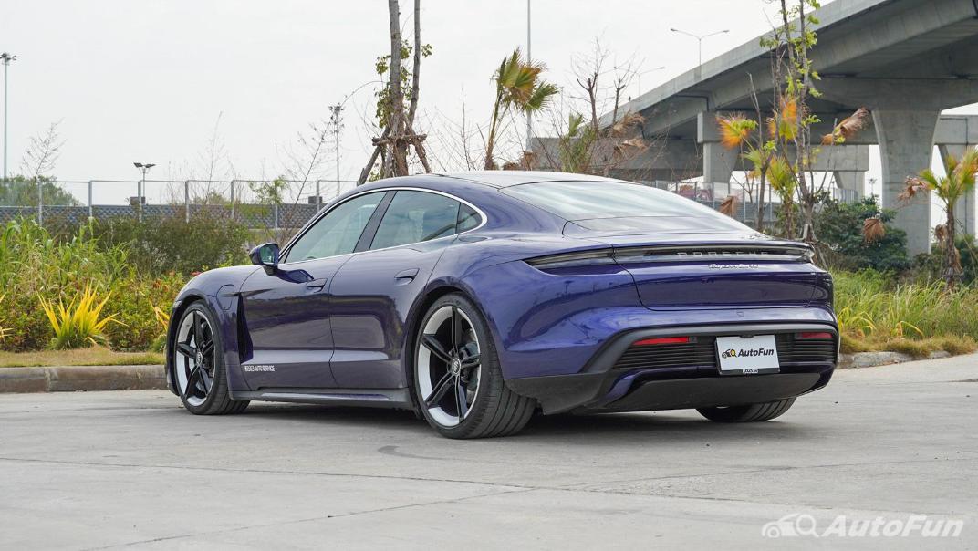 2020 Porsche Taycan Turbo Exterior 007