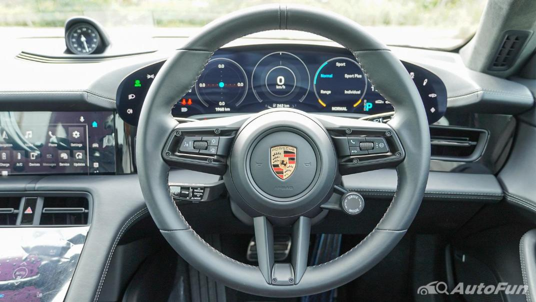 2020 Porsche Taycan Turbo Interior 003