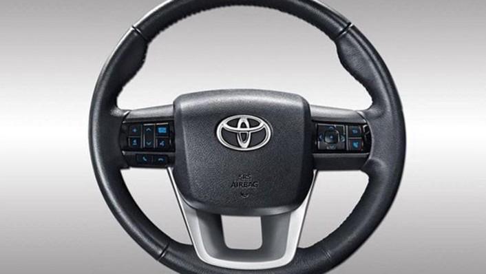 Toyota Hilux Revo Smart Cab 2020 Interior 003
