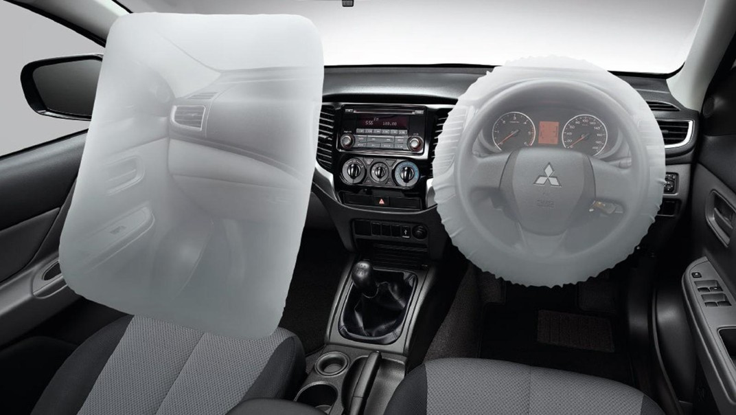 Mitsubishi Triton 2020 Interior 002