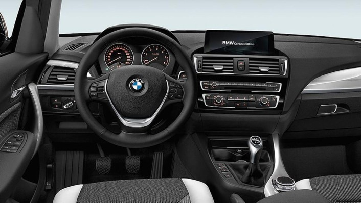 BMW 1-Series-5-Door 2020 Interior 001
