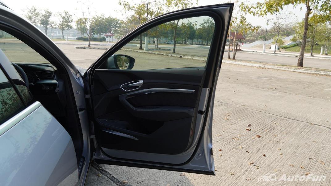 2020 Audi E Tron Sportback 55 quattro S line Interior 058