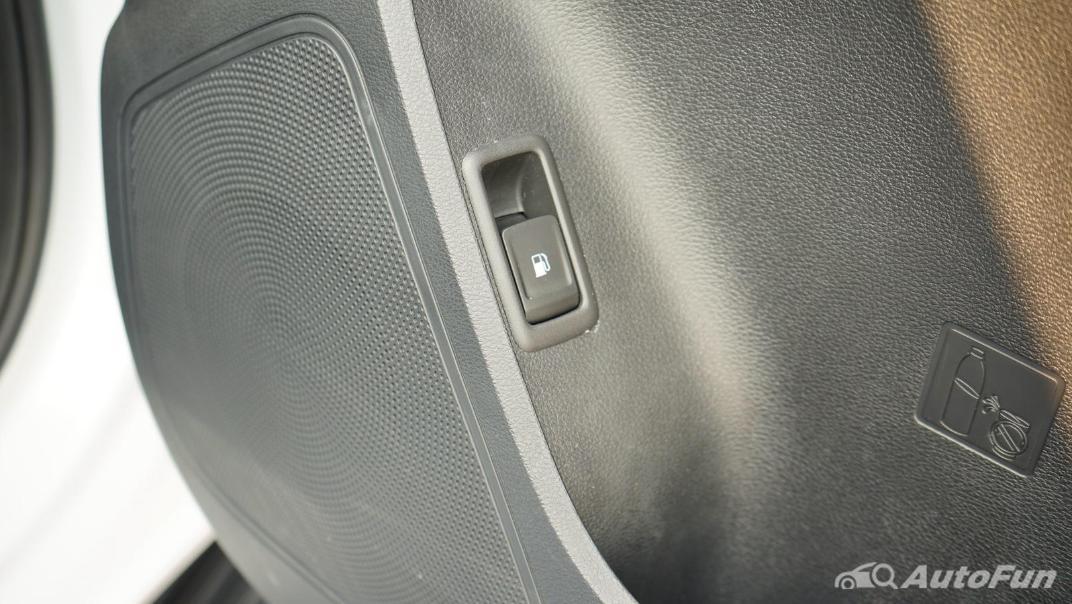 2021 MG Extender Interior 020