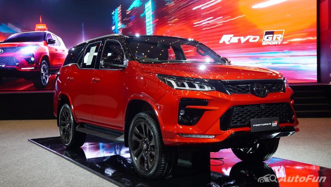 2021 Toyota Fortuner 2.8 GR Sport 4WD Exterior 002