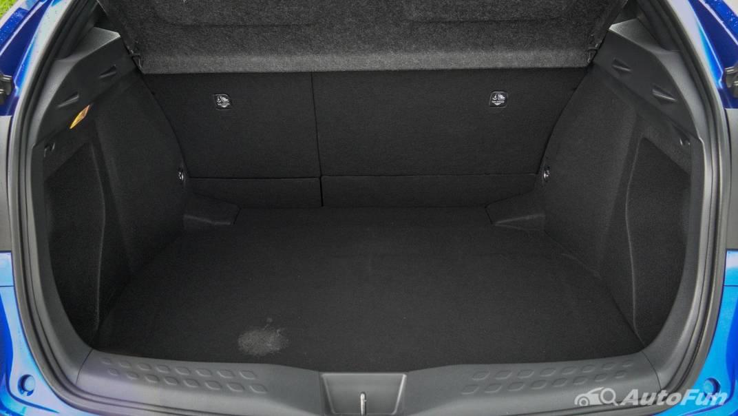 2021 Toyota C-HR Hybrid Premium Safety Interior 079