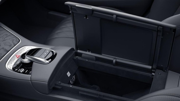 Mercedes-Benz Maybach S-Class 2020 Interior 003