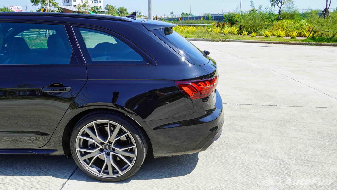 2020 Audi A4 Avant 2.0 45 TFSI Quattro S Line Black Edition Exterior 019