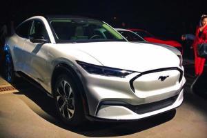 ถ้าหาก 2022 Ford Mustang Mach-E เปิดตัวในไทยราคา 3.5 ล้านบาท คุณยังจะซื้อ Tesla อยู่ไหม?