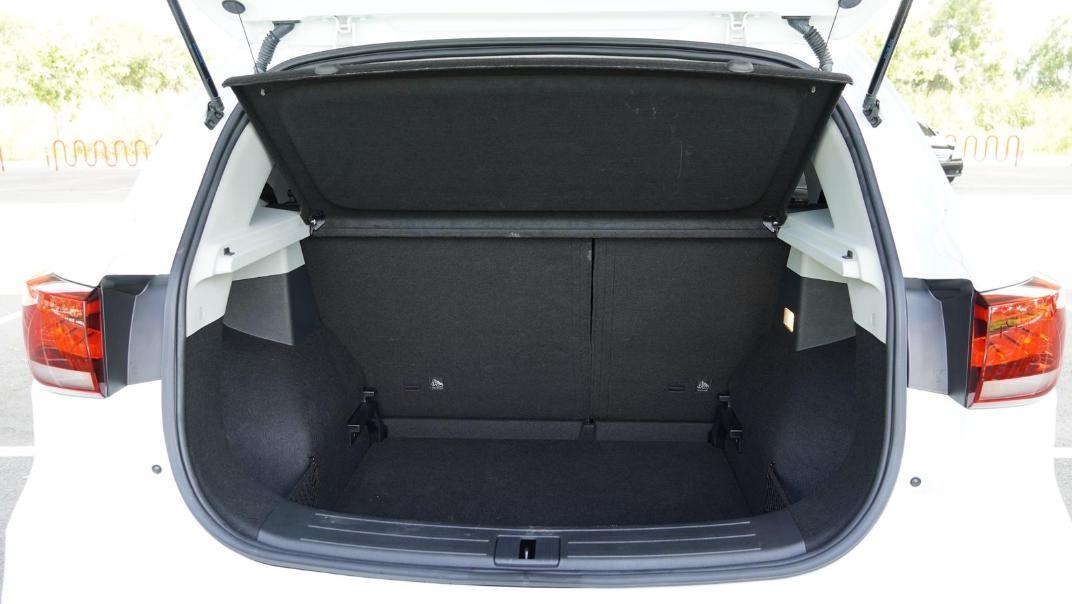 2020 MG ZS 1.5L X Plus Interior 054