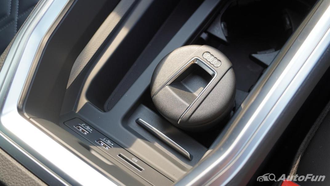 2020 Audi E Tron Sportback 55 quattro S line Interior 041