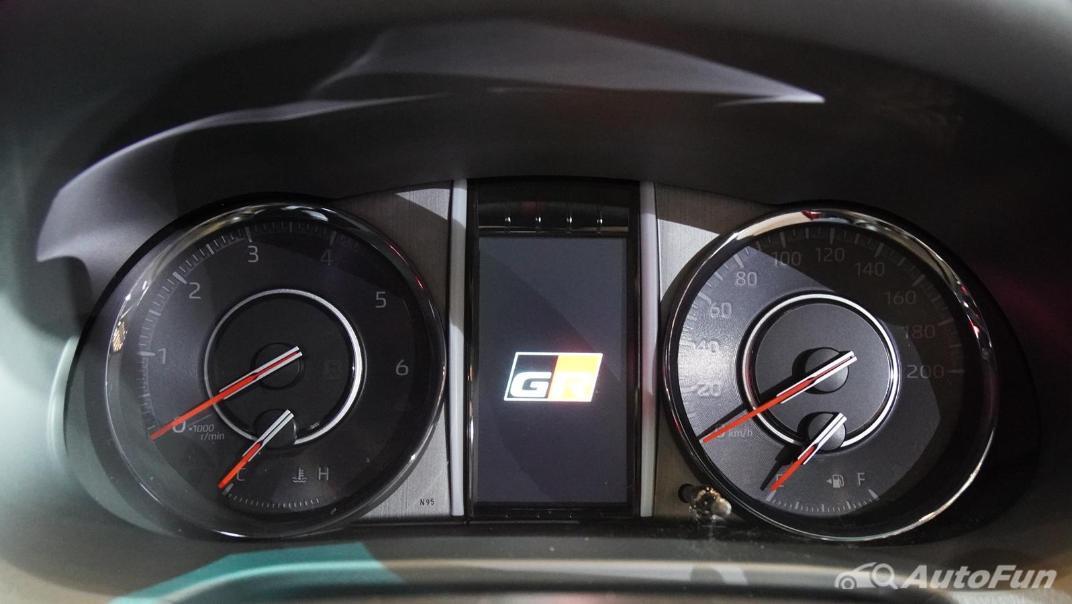 2021 Toyota Fortuner 2.8 GR Sport 4WD Interior 011