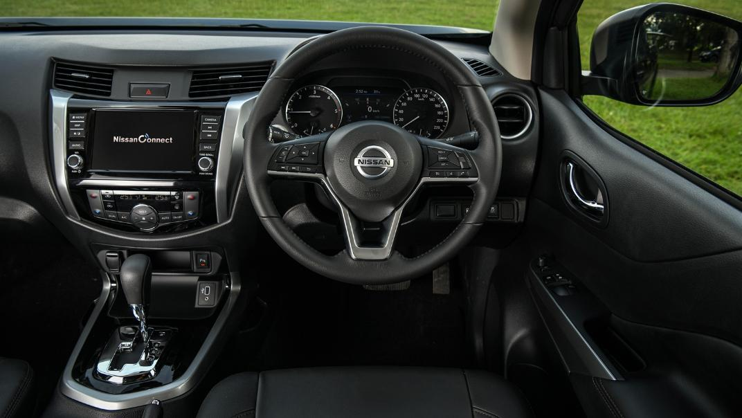 Nissan Navara 2021 Interior 024