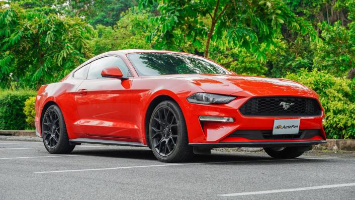 2020 Ford Mustang 2.3L EcoBoost Exterior 002