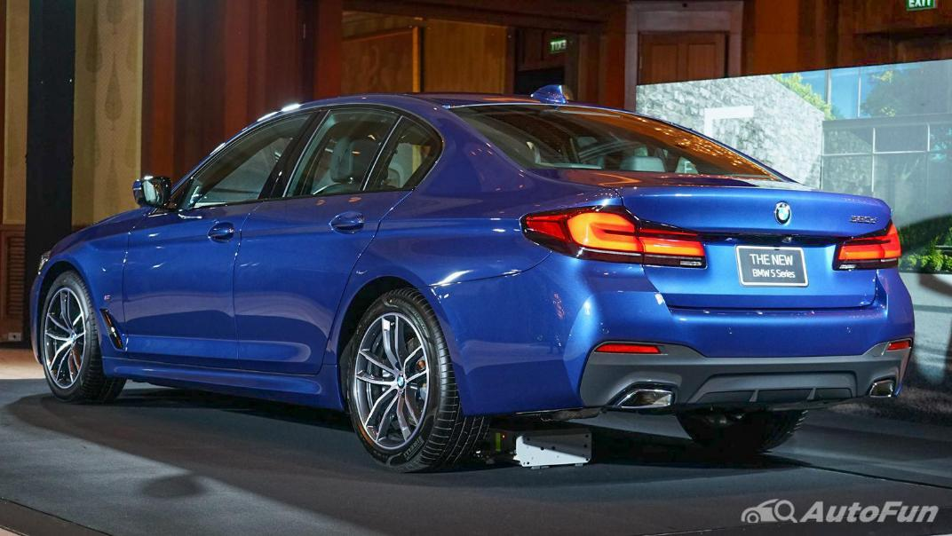 2021 BMW 5 Series Sedan 520d M Sport Exterior 006
