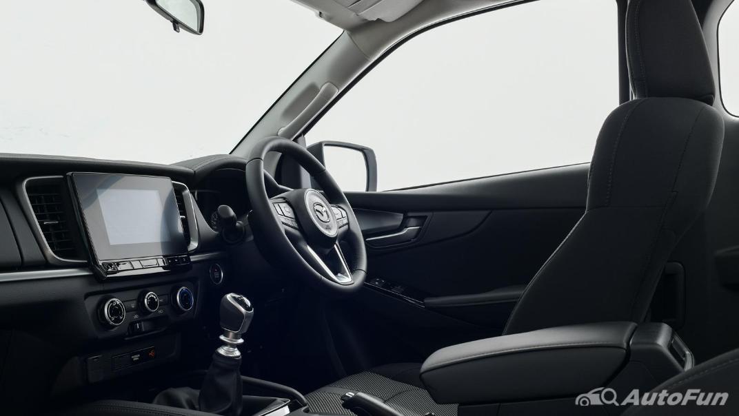 Mazda BT-50 Pro 2021 Interior 039