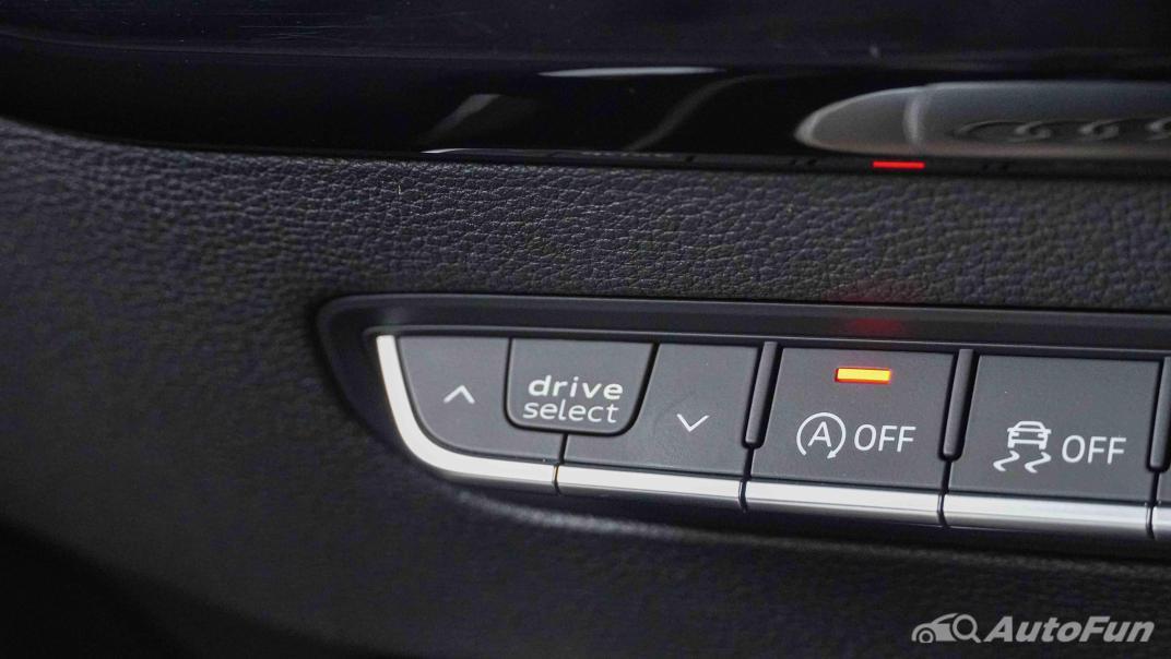2020 Audi A4 Avant 2.0 45 TFSI Quattro S Line Black Edition Interior 025