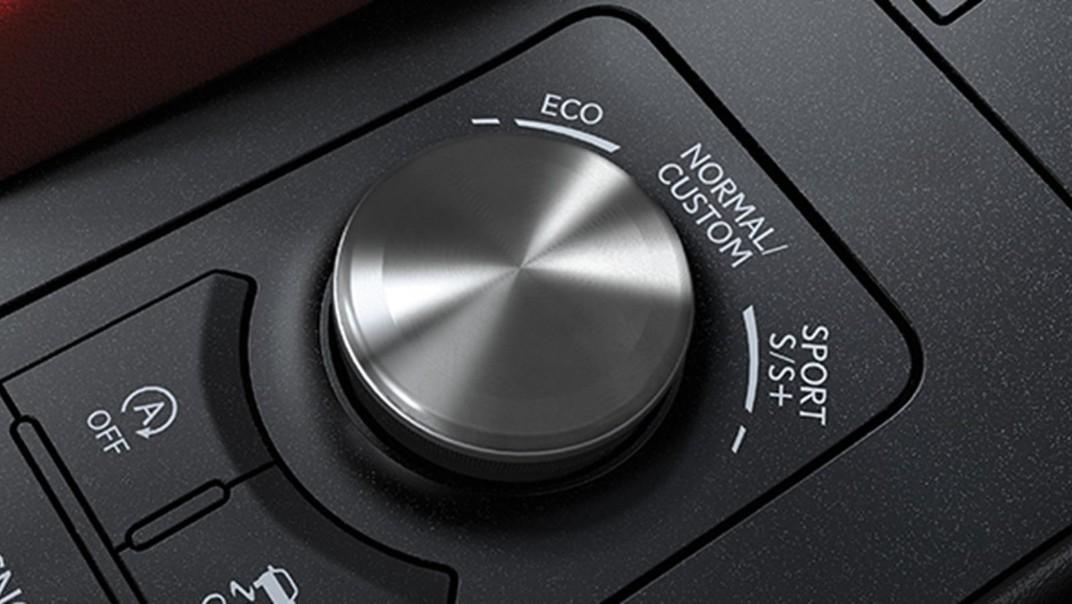 Lexus RC 2020 Interior 005