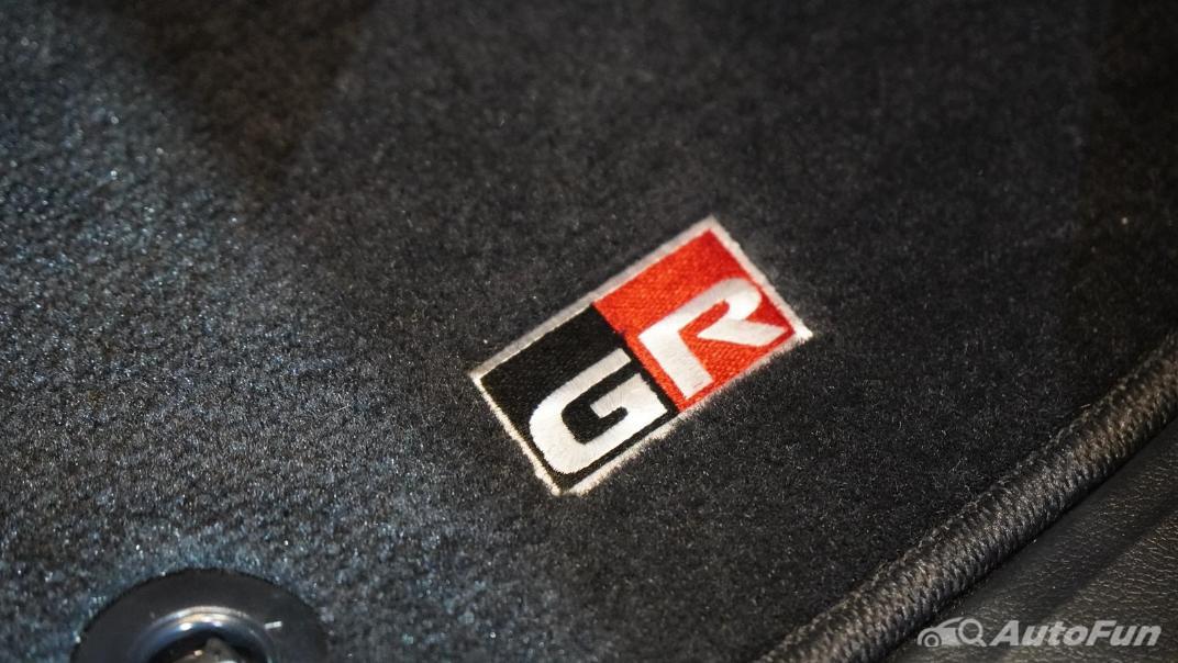 2021 Toyota Fortuner 2.8 GR Sport 4WD Interior 028